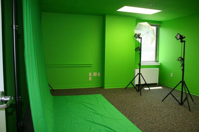 green_screen_room.jpg