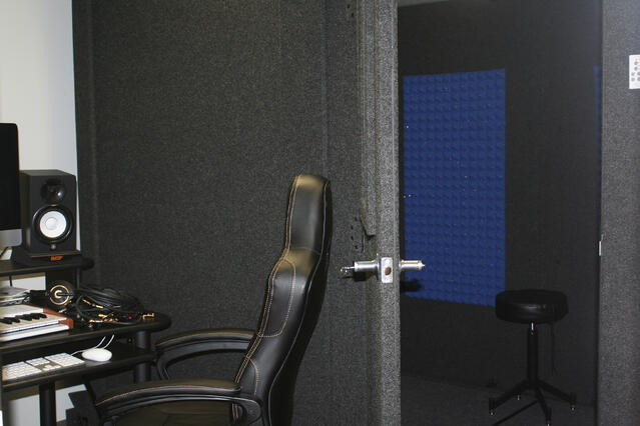 sound_room_2.jpg